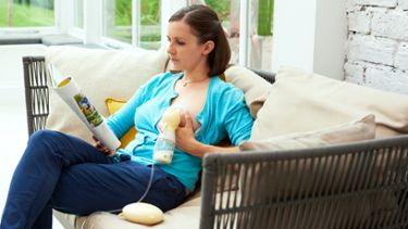 Woman using a Medela Swing Flex Swing Flex™ breast pump